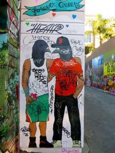 """Grafiti encontrado en la ciudad de San Franciso (Estados Unidos) titulado: """"forever queer"""". Foto:  torbakhopper"""
