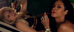 escenas lesbianas del video Can't Remember to Forget You de Shakira