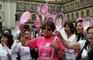 Ataques con ácidos a mujeres en Colombia.