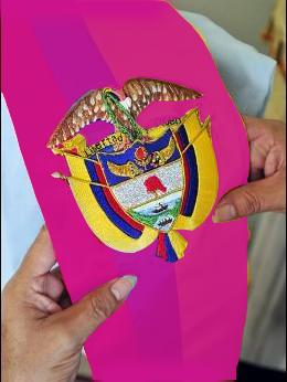 artículos de humor sobre política colombiana