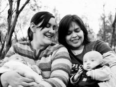 Estudios comprueban que no hay diferencias en el desarrollo psicosocial entre niños criados por parejas homosexuales y heterosexuales. Foto: Olivia Garza García.
